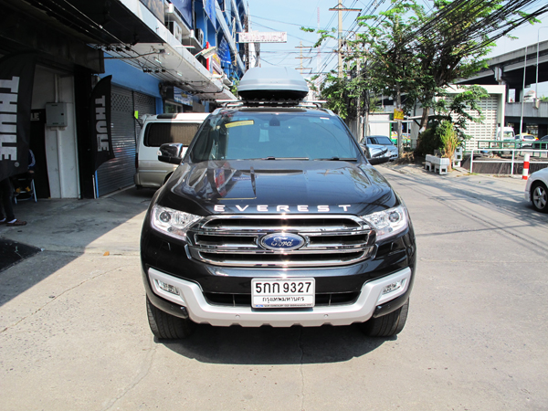c2-ford-everest-thule-roofbox-d2autorack