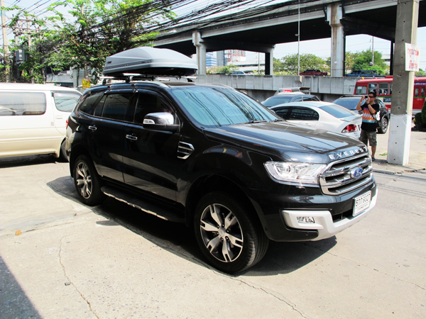 c7-ford-everest-thule-roofbox-d2autorack