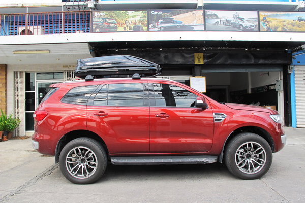 g2-ford-everest-thule-roofbox-d2autorack