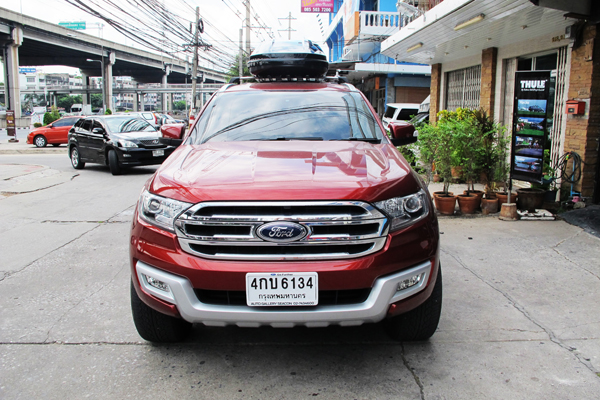 g4-ford-everest-thule-roofbox-d2autorack