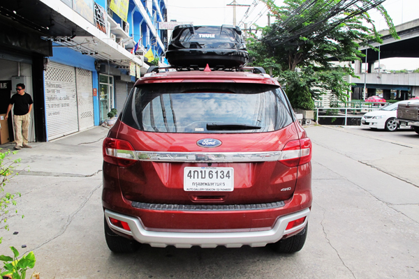 g5-ford-everest-thule-roofbox-d2autorack