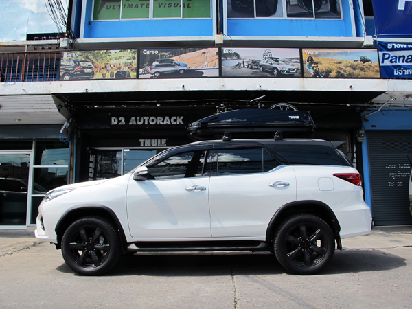 s1-toyota-fortuner-thule-roofbox-d2autor